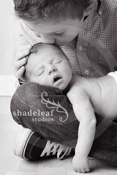 Adorable sibling photography ideas with sister, new baby 49