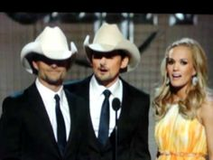 Jeff Gordon acting like Brad Paisley on the 44th CMA's     They look like twins! #unexpected #twinning