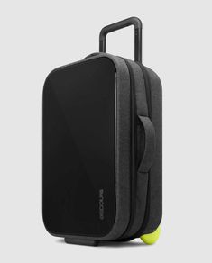 Incase EO Travel Hardshell Roller Black Luggage EO Travel Collection fits…
