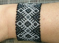 Huichol Mexican perlenschmuck bracelet schwarz-silber