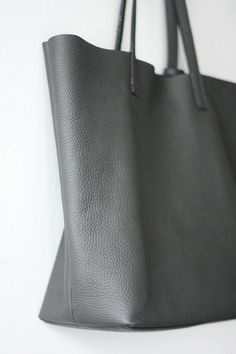 LILA - Leather Tote Bag - LIGHT GREY | Leather totes
