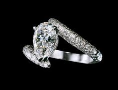 This diamond ring is designed by Chanel Fine Jewelry and features