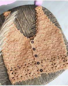 Crochet Summer Tops, Crochet Bikini Top, Knit Crochet, Crochet Stitches, Crochet Patterns, Mode Crochet, Crochet Purses, Crochet Clothes, Crochet Projects