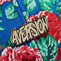 """Novo strapback da marca Aversion explorando temas florais. Carregando o nome """"Floral Strapback"""", o cap traz um padrão inspirado em flores e folhas sublimados por todo o corpo do boné, contando com..."""