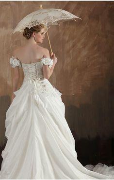 Vintage Southern wedding style. Candace Monet · Round 1 Wedding dresses ·  Princess Vintage Lace Ball ... 9b337da790b0