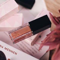 Habt ihr eigentlich schon meinen Blogpost zu den Lippenprodukten 💄 der #LethalXJolina Collection gesehen? 🤔 darin verrate ich euch weshalb das #Lipgloss seinem Namen #Everything absolut gerecht wird 🙌🏼 #bibifashionable #lethalcosmetics #crueltyfree #veganmakeup #teamjolina Lipgloss, Liquid Lipstick, Lipbalm, Make Up, Lilac, Names, Maquiagem, Maquillaje, Makeup