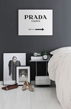 this amazing and stylish print it yourself 30 x 40 prada marfa poster is - Blair Waldorf Wohnheim Zimmer