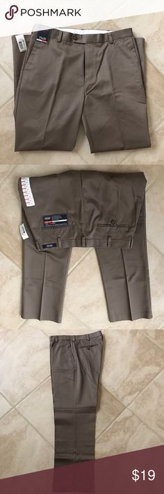 Roundtree & yorke travel smart 🤓 pants Roundtree & yorke straight fit, flat front, 34x29 100% cotton, new with tags, brownstone color Roundtree & Yorke Pants Chinos & Khakis
