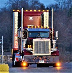Best semi truck and girls peterbilt 379 36 ideas Used Trucks, Trucks And Girls, Big Rig Trucks, Cool Trucks, Peterbilt 359, Peterbilt Trucks, Custom Big Rigs, Custom Trucks, Ranger