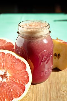 2 apples + 1 carrot 1 pear + 1 cucumber + a little ginger + fist full of Blueberries + grapefruit