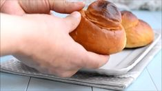Brioche col tuppo - Best Picture For ricetta vegetariana For Your Taste You are looking for something, and it is goin - Brioche Recipe Bread Machine, Brioche Bread And Butter Pudding, Brioche Loaf, Brioche Rolls, Sicilian Recipes, Best Italian Recipes, Hamburger Bun Recipe, Burger Buns, Almond Cakes