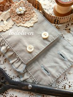 Todolwen: Creative Leftovers .. A Needle Book