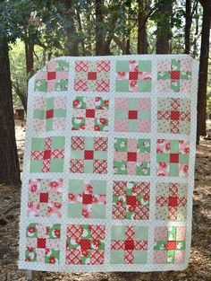 19 Best Ideas for christmas quilting ideas nine patch Quilt Square Patterns, Machine Quilting Patterns, Quilt Patterns Free, Block Patterns, Christmas Tree Quilt, Christmas Quilt Patterns, Christmas Quilting, Christmas Sewing, Modern Quilting Designs