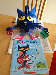 Pete the Cat Pumpkin but make into a ornament for pete the cat saves christmas