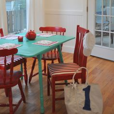 Table and chairs House of Turquoise: Paddles House Of Turquoise, Table Turquoise, Turquoise Rouge, Turquoise Kitchen, Red Turquoise, Turquoise Accents, Bright Painted Furniture, Painted Chairs, Wooden Chairs