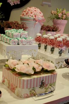 60 Creative Tips for Simple Birthday Decorating Iftar, Baby Shower Cakes, Baby Shower Parties, Simple Birthday Decorations, Butterfly Garden Party, Party Deco, Bar A Bonbon, Chocolate Wrapping, Bird Party