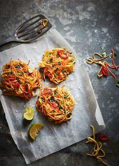 Spaghetti-Gemüse-Puffer   Kalorien: 570 Kcal   http://eatsmarter.de/rezepte/spaghetti-gemuese-puffer