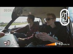 DORITOS GAMEPAD DRIVE - Doritos Gamepad Drive is een Awesome experience waarin twee gamers, Milan & DusDavid, een auto testen die je bestuurt met een heuse gamepad. Om vervolgens 3 challenges te rijden tegen een echte autocoureur. Wie wint 'm? Gaming got real. #playbold  Mis niks, subscribe ons Youtube kanaal. Meer playbold actie vind je op:  https://www.facebook.com/DoritosNeder...  https://instagram.com/doritosnederland