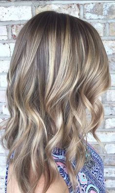 This bronde blend is everrrrrythang. Color by Stephanie Parizot.
