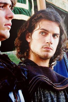Henry Cavill  ... OMG HIS HAIR!!!!!!!!!!!!!!