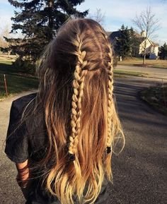 "54 Cute and Easy Long Hairstyles for School for Fall and Winter - Hairstyle ., Easy hairstyles, "" 54 Cute and Easy Long Hairstyles for School for Fall and Winter - Hairstyle 🅷🅰🅸🆁🆂🆃🆈🅻🅴 ♥ ♥♥ . Easy Hairstyles For Long Hair, Winter Hairstyles, Braids For Long Hair, Trendy Hairstyles, Blonde Braids, Simple Hairstyles For School, Wedding Hairstyles, Edgy Haircuts, Teenage Hairstyles"