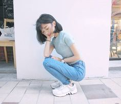 Korean Fashion – How to Dress up Korean Style – Designer Fashion Tips Ulzzang Fashion, Ulzzang Girl, Asian Fashion, Fashion Beauty, Girl Fashion, Fashion Outfits, Fashion Tips, Fashion Design, Fashion Ideas