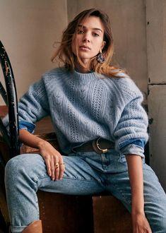 Pull Bleu, Denim Belt, Mode Plus, Foto Pose, Parisian Style, Nice Tops, Blue Denim, Knitwear, Outfits