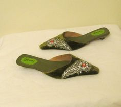 Sassie B London NEW Fall Sandals Size 7 (US) Green with encrusted gems. #SassyB #ClosedToe