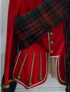 Superb WW1 era officer doublet Cameron highlanders Scottish jacket.