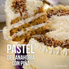 Video of Carrot Cake with Pineapple- Video de Pastel de Zanahoria con Piña Delicious carrot cake stuffed with pineapple with a nutty touch. You will not be able to resist eating more than one slice. Mexican Food Recipes, Sweet Recipes, Cake Recipes, Dessert Recipes, Delicious Desserts, Yummy Food, Healthy Food, Carrot Cake Cheesecake, Savoury Cake