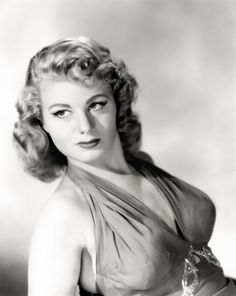 Proficiently Eye-catching list of pictures of Shelley Winters. Shelley Winters was an American actress who appeared in dozens of films, as well as on stage and television; her career spanned over 50 years until her death in 2006 Old Hollywood Glamour, Golden Age Of Hollywood, Vintage Hollywood, Hollywood Stars, Classic Hollywood, Vintage Glam, Old Movie Stars, Classic Movie Stars, Famous Photos