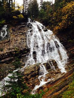 Recap of a fall hike to Bertha Falls in Waterton Lakes National Park. #hiking #fall #mountains #waterton #waterfall