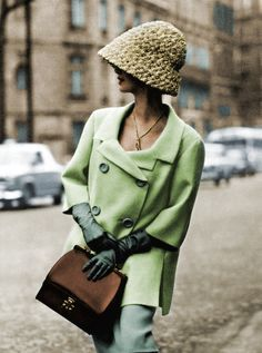 French Perfection. Shot by Georges Saad in #Paris.  Suit by Jean Patou & gloves/hat from Hermès. 1962 highlowvintage.com