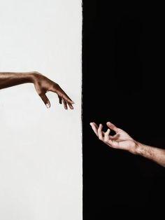 Free Photos art black and white close-up hands Hand Fotografie, Mode Poster, Ballerina Art, Hand Photography, Photography Aesthetic, Photo D Art, Hand Illustration, Aesthetic Art, Free Stock Photos