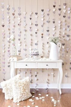 Strands of Paper Hearts plus a pop of pink! See this anniversary celebration shoot on Style Me Pretty:. 25th Wedding Anniversary, Anniversary Parties, Anniversary Decorations, Diy Girlande, Festa Party, Paper Hearts, Mod Wedding, Wedding White, Party Planning