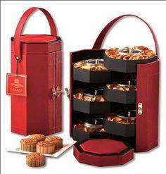Food Box Packaging, Wine Packaging, Luxury Packaging, Food Packaging Design, Packaging Design Inspiration, Brand Packaging, Diy Gift Box Template, Luxury Hampers, Chocolate Wrapping