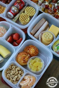 5 Back to School lunch ideas for picky eaters. Also great simple snacks for plane travel. If your child is a picky eater, we have you covered! Here are 5 Back to School Lunch Ideas for Picky Eaters! Your kiddos will love these lunch ideas. Lunch Snacks, Clean Eating Snacks, Kid Lunches, Kid Snacks, Fruit Snacks, Toddler Meals, Kids Meals, Toddler Food, Kindergarten Lunch
