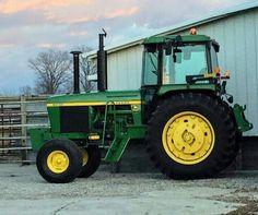 Jd Tractors, John Deere Tractors, Tractor Cabs, John Deere Equipment, Hobby Farms, Farming, Truck, Culture, Cat