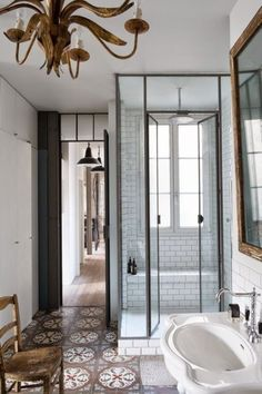 Amazing 41 Beautiful Tiles  Around Shower Window http://toparchitecture.net/2017/11/04/41-beautiful-tiles-around-shower-window/