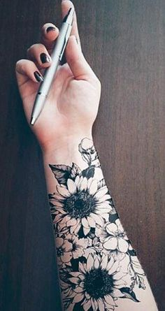 Realistic Sunflower Forearm Tattoo Ideas for Women - Black and White Floral Flower Arm Tat - ideas d Sunflower Tattoo Shoulder, Sunflower Tattoo Small, Sunflower Tattoos, White Sunflower, Tattoos For Women Flowers, Tattoos For Women Half Sleeve, Tattoos For Guys, Tattoo Women, Women Sleeve