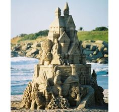 8 Architecturally Awesome Sand Castles for Summer's End  - PopularMechanics.com