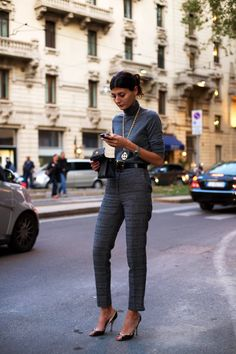 Ankle length suit pants & a long necklace...love!  Thanks again, Giovanna Battaglia!