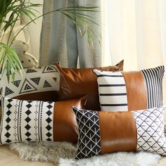 33 Lovely Cute Pillows Designs Ideas - There are many different kinds of pillows. But there is only one brand of pillows that helps a scared child to sleep. Pillow head cushions are similar. Leather Throw Pillows, Leather Pillow, Couch Pillows, Modern Throw Pillows, Couch Pillow Covers, Brown Pillows, Decor Pillows, Summer Deco, Diy Home Decor Rustic