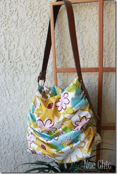 How to Gather Fabric Tutorial + Scrap Happy Scrunch Tote Tutorial - by the very clever Nàe Chic!    Free Sewing Tutorials