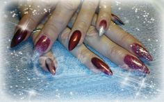 Red and glitter nailzzzz