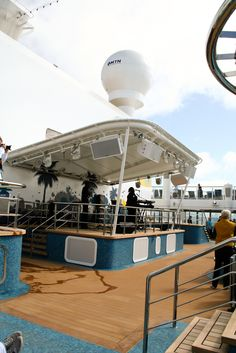 Norwegian Breakaway, podium deck 17