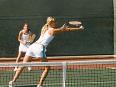 In doubles play, figuring out who should hit the ball can be confusing. Learn the rules of court coverage and ball management to build a successful doubles team. Tennis Games, Tennis Party, Tennis Gear, Tennis Tips, Tennis Clubs, Tennis Clothes, Tennis Players, Tennis Dress, Tennis Lessons