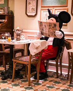 Mickey must be checking out what's on the menu. Disney Fan, Disney Dream, Disney Love, Disney Magic, Disney Parks, Walt Disney, Mickey Mouse And Friends, Disney Mickey Mouse, Disney Films