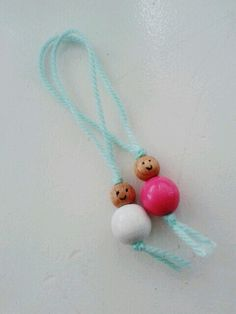 🌟Tante S!fr@ loves this📌🌟 Bead Crafts, Diy And Crafts, Fathers Love, Summer Crafts, Creative Kids, Diy Projects To Try, Wooden Beads, Design Crafts, Diy For Kids
