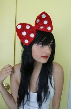 Crochet Minnie Mouse bow...